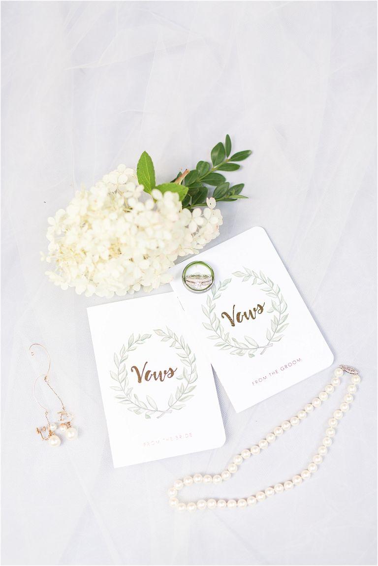 Virginia Ski Resort Wedding at Wintergreen as seen on Hill City Bride Wedding Blog by Ashley Eiban - vow books