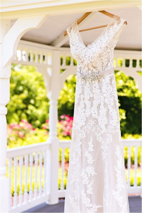 intimate-backyard-wedding-as-seen-on-hill-city-bride-by-megan-vaughan-photography_0002