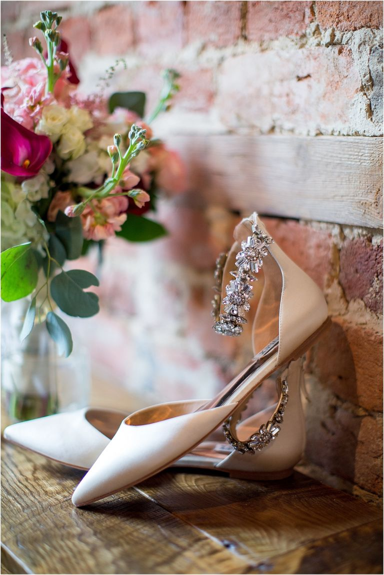 Red Pink Winter Wedding Inspiration | Hill City Bride Virginia Wedding Blog