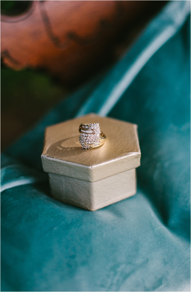 art-deco-styled-wedding-as-seen-on-hill-city-bride-by-amy-ellis-photography_0018