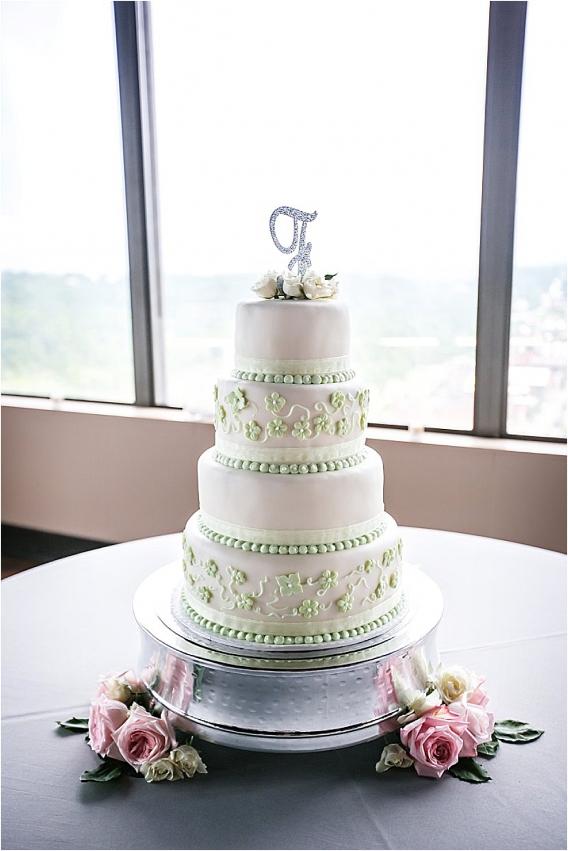 lynchburg-rooftop-wedding-as-seen-on-hill-city-bride_0026