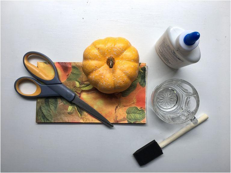 3 Easy Ways to Transform Mini Pumpkins for Fall as seen on Hill City Bride Wedding Blog