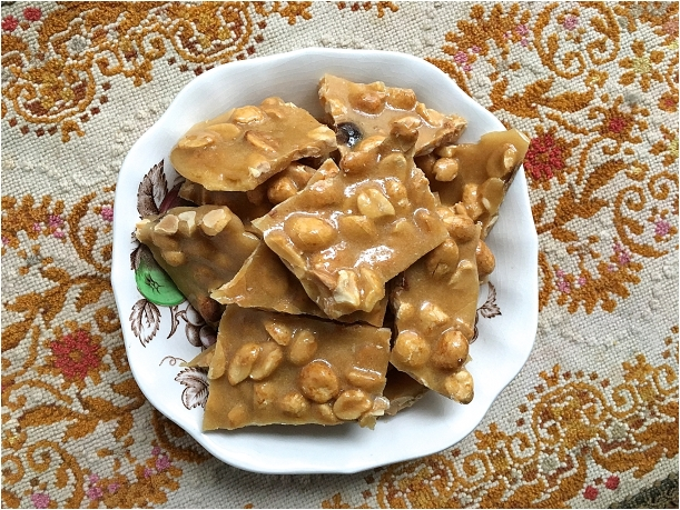 Easy DIY Microwave Peanut Brittle as seen on Hill City Bride Wedding Blog - nut, favor, candy, recipe