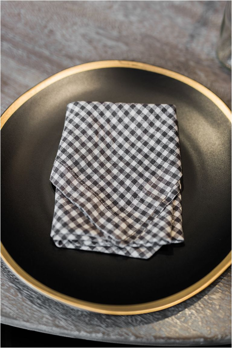5 Simple Napkin Folding Ideas for Your Wedding Reception | Hill City Bride Virginia Wedding Blog Long Envelope Fold
