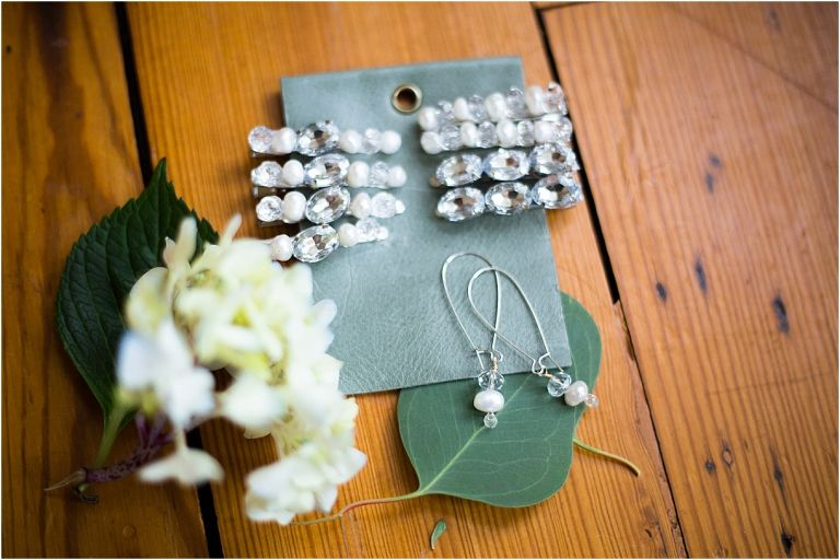 How to Make DIY Hair Clips for Your Wedding | Hill City Bride Virginia Weddings Blog Pearl Rhinestone