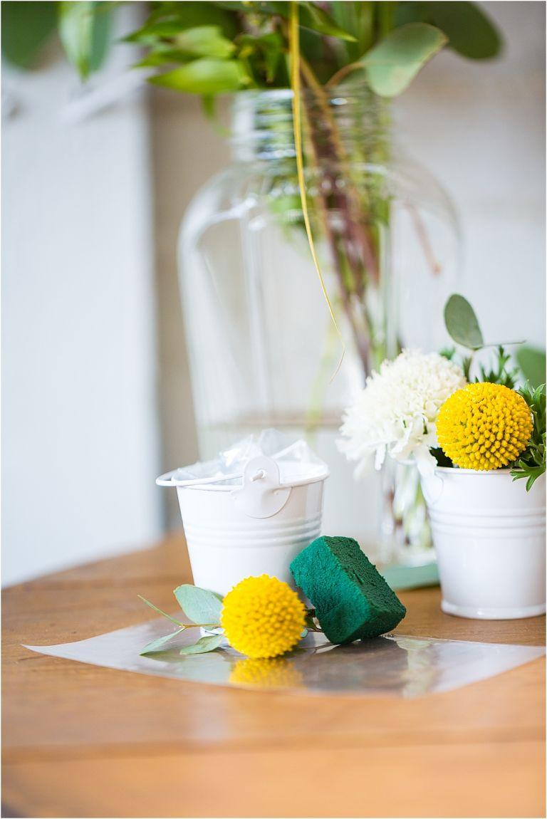 Create A Diy Flower Bar Bridal Shower Style Pop Up Flower Bar Ideas