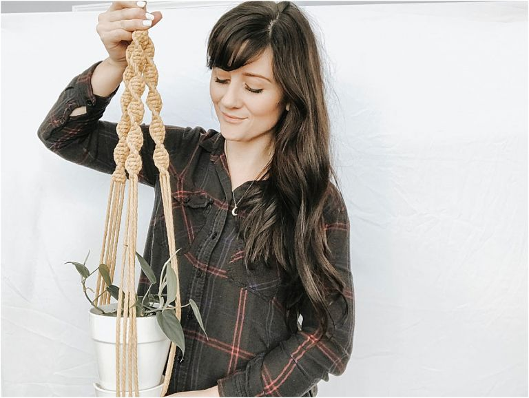 Macrame Plant Hanger | Easy Macrame Patterns | Etsy Macrame | Hill City Bride Virginia Wedding Blog