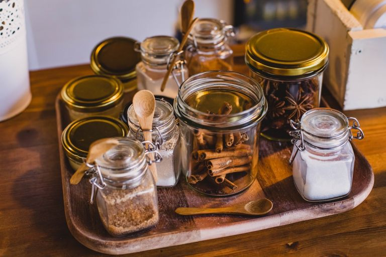 Cinnamon Sugar and Honey to Add to Apples for Flavor