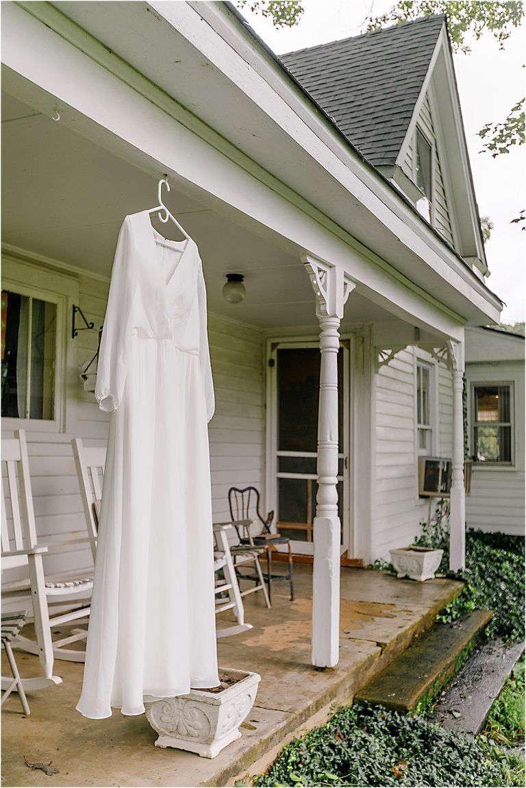 Wedding in the Woods of Virginia | Woods Wedding Venue Dress