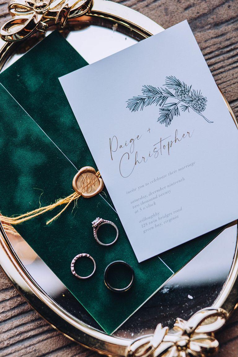 Holiday Wedding Ideas for a Festive Christmas Event