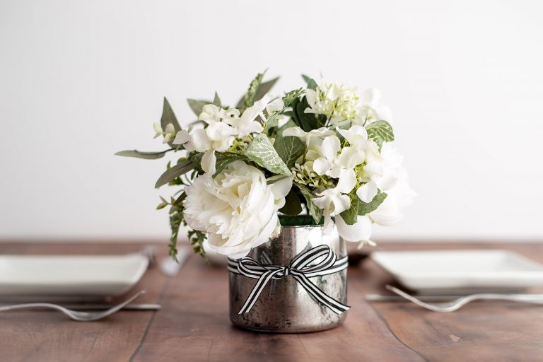 How to Make a Wedding Centerpiece on a Budget